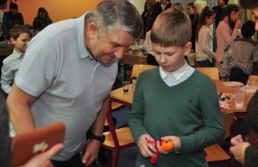 13 декабря в школе «Премьер» состоялась Рождественская благотворительная ярмарка 8
