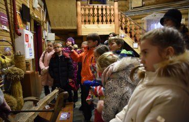5 декабря обучающиеся 1-3 классов школы «Премьер» посетили Кремль в Измайлово 8