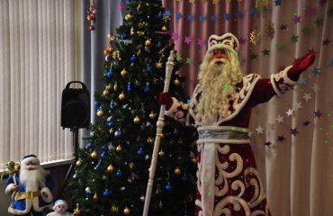 """Дед Мороз и Снегурочка в детском саду школы """"Премьер"""" 62"""