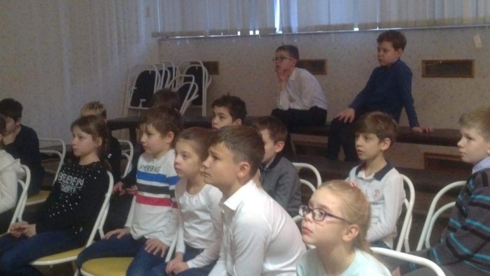 8 февраля для обучающихся 2-4 классов состоялся Час мужества, посвящённый  памятной для нашей страны дате–  75-летию снятия блокады Ленинграда 1
