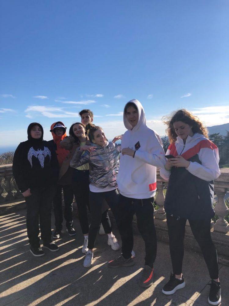 Группа обучающихся 9-10 классов Школы «Премьер» посетила с образовательной поездкой Крым