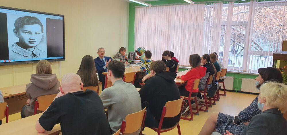18 февраля в рамках «Недели науки» в школе Премьер прошла встреча с Юрием Александровичем Никифоровым 2